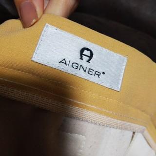 アイグナー(AIGNER)のくすみ 黄色 パンツ(カジュアルパンツ)