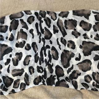 ザラ(ZARA)のZARA 豹柄スカーフ新品未使用(バンダナ/スカーフ)