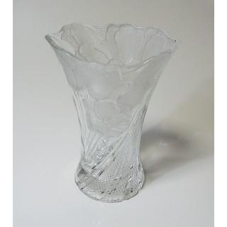 ★美品 1点もの【透明ガラス 花瓶】花柄レリーフ・トロフィー形・造りしっかり(花瓶)