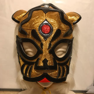 DEPOMART製直筆サイン入り本人使用初代タイガーマスク伝説 佐山聡(格闘技/プロレス)