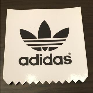アディダス(adidas)の【縦7.2cm横7cm】 adidasステッカー(ステッカー)