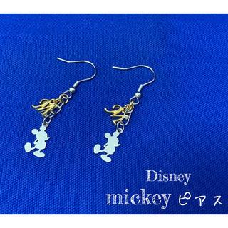 ディズニー(Disney)のミッキー ピアス ♪ 両耳用(ピアス(両耳用))