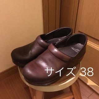 ダンスコ(dansko)のダンスコ dansko クロッグ ブラウン 茶色 本革 38(ローファー/革靴)