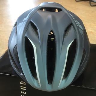 メット(MET)のJCF公認ヘルメット【メット リヴァーレHES M54~58cm】シェードブルー(ウエア)