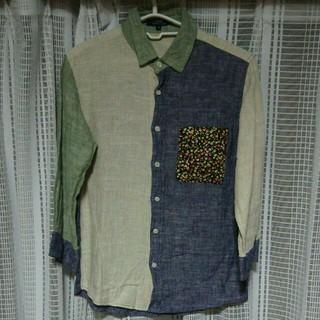 ウーム(WOmB)のamy 切り替え 七分袖シャツ Mサイズ カジュアル 花柄 クレイジーカラー 服(シャツ)