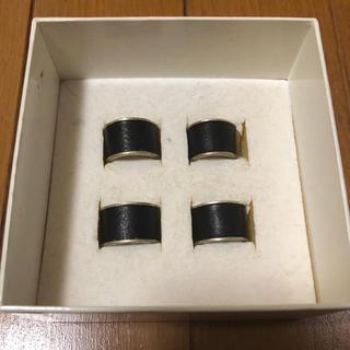 マルタンマルジェラ(Maison Martin Margiela)のマルジェラ 4連リングのうち2つ(リング(指輪))