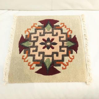 アクタス(ACTUS)の新品未使用 手織りウールギャベ 39×40 座布団サイズ玄関マット絨毯ラグ無印(ラグ)