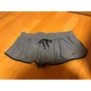 ナイキ(NIKE)のナイキ  ショートパンツ  XLサイズ(ショートパンツ)