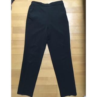 ジーユー(GU)のGU黒パンツ(クロップドパンツ)