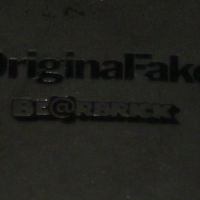 MEDICOM TOY(メディコムトイ)のORIGINAL FAKE KAWS BE@RBRICK 100% ベアブリック エンタメ/ホビーのフィギュア(その他)の商品写真