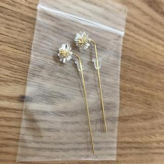 パピヨネ(PAPILLONNER)の新品 パピヨネ お花モチーフピアス(ピアス)