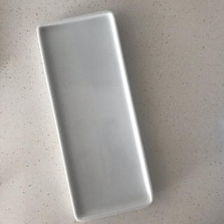 MUJI (無印良品) - 無印良品 白磁トレー 約幅23.5×奥行9.5×1.5cm