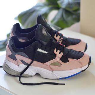 アディダス(adidas)のadidas Originals FALCON W ダッドスニーカー ピンク 桃(スニーカー)