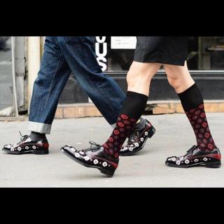 プラダ(PRADA)のPRADA FLOWER プラダ フラワー レザー シューズ(ローファー/革靴)