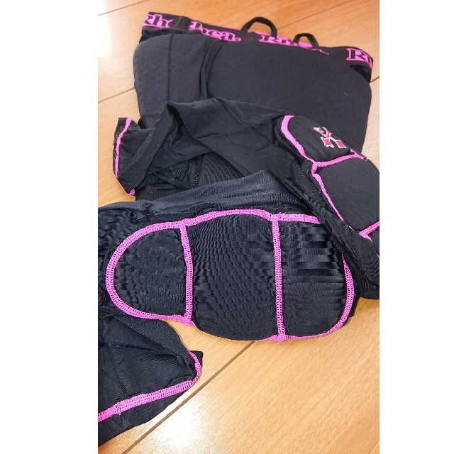 (Rhea)スノボ プロテクター ヒップ☆膝プロテクター スポーツ/アウトドアのスノーボード(ウエア/装備)の商品写真