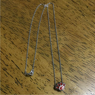 スヌーピー(SNOOPY)のスヌーピー ネックレス シルバー ピーナッツ 足型 赤 レッド(ネックレス)