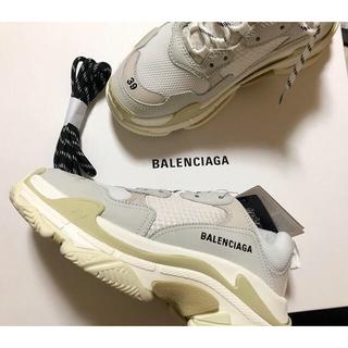 バレンシアガ(Balenciaga)のBALENCIAGA トリプルエス(スニーカー)