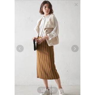 ウィムガゼット サテンスカート oggiなど読まれる方に(ひざ丈スカート)