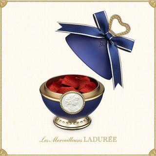 ラデュレ(LADUREE)のレ・メルヴェイユーズ ラデュレ リミテッド エディション ポット クリスマス限定(チーク)