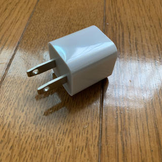 アップル(Apple)のアダプタ iPhone(変圧器/アダプター)