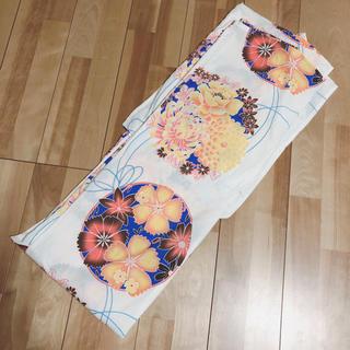 白地に菊などのお花模様 古典柄浴衣(浴衣)