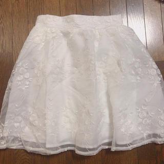 ワンアフターアナザーナイスクラップ(one after another NICE CLAUP)のNICE CLAUP バラ刺繍シフォンスカート(ミニスカート)