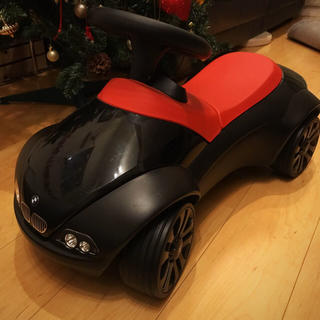 ビーエムダブリュー(BMW)の正規品 BMW ベビーレーサー キックカー オシャレ 美品(手押し車/カタカタ)