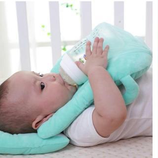 双子 三つ子 グッズ 授乳補助 みるくっション 新品送料無料 マタニティ(離乳食調理器具)