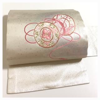 美品 やまと謹製 未使用 極上 九寸名古屋帯 刺繍 御太鼓 七宝 花模様 正絹 (帯)