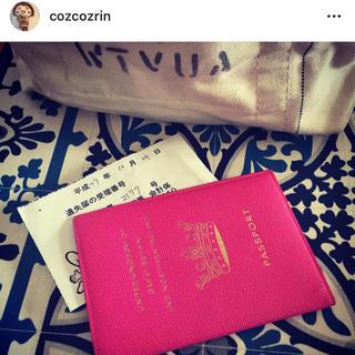 スマイソン(Smythson)の【美品】SMYTHSON パスポートケース ピンク UNITED KINGDOM(ブックカバー)
