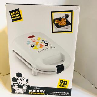 ディズニー(Disney)のアメリカ ディズニーストア 日本未発売90周年 ミッキー ミニワッフルメーカー (調理道具/製菓道具)
