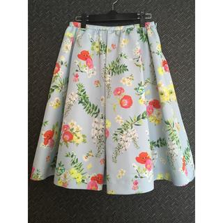 チェスティ(Chesty)のお値下げしました。限定色 チェスティ 花柄 スカート(ひざ丈スカート)