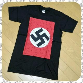 アゲインスト(AGAINST)の【新品】《against》しっかりTシャツ★ちょっぴり過激な鉤十字!(Tシャツ/カットソー(半袖/袖なし))