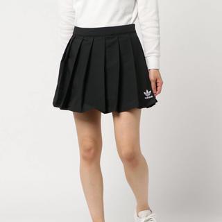 アディダス(adidas)のadidasのスカート(ミニスカート)