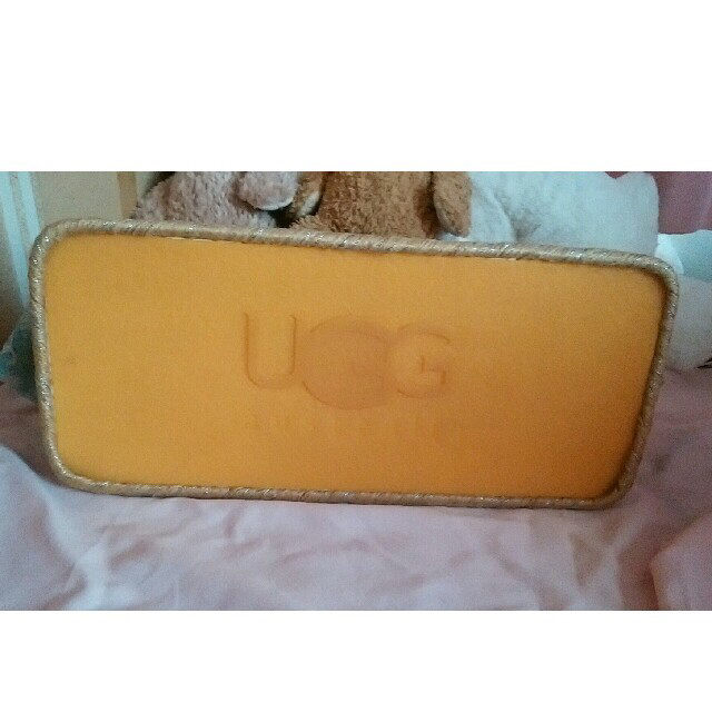 UGG(アグ)の希少品 UGG  アグ デニムトートバックショルダー旅行カバン レディースのバッグ(ショルダーバッグ)の商品写真