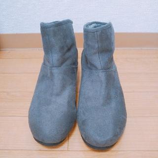 シマムラ(しまむら)の大きいサイズ 美品 グレー 中ボア インヒールショートブーツ 4L♡(ブーツ)