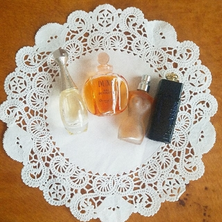 クリスチャンディオール(Christian Dior)のdior 香水 5ml ミニボトル 4本セット(香水(女性用))