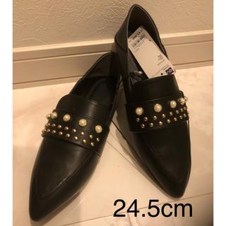 ジーユー(GU)の新品未使用  GU パールスタッズ バブーシュ 24.5(ローファー/革靴)