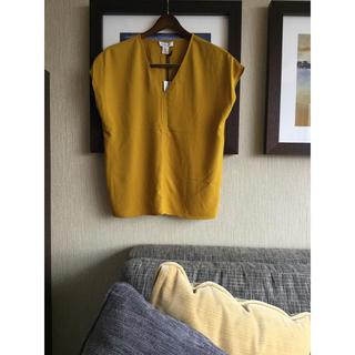 イヴァナヘルシンキ(IVANAhelsinki)の黄土色Ivanka trump カットソー 新品(カットソー(半袖/袖なし))