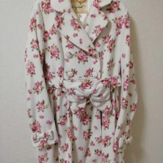 しまむら - バラ柄 コート Mサイズ 白 ピンク しまむら マイメロ×リズリサ コラボ商品
