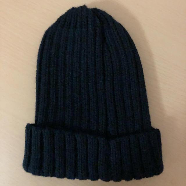 GU(ジーユー)のGU ニット帽 ネイビー(中古品) レディースの帽子(ニット帽/ビーニー)の商品写真