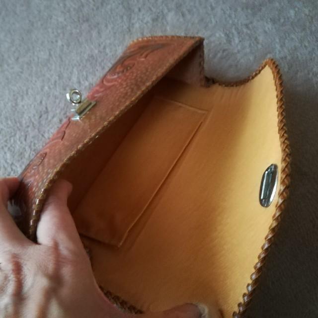 カービング クラッチ おまけつき レディースのバッグ(クラッチバッグ)の商品写真