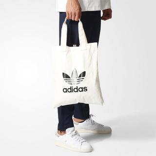 アディダス(adidas)の【新品・即発送OK】adidas オリジナルス ショッパーバック 白 ホワイト(トートバッグ)