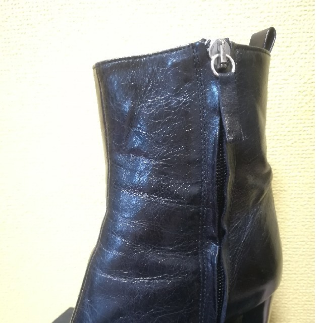 ZARA(ザラ)の【最終値下げ】ZARA ショートブーツ 本革 レディースの靴/シューズ(ブーツ)の商品写真