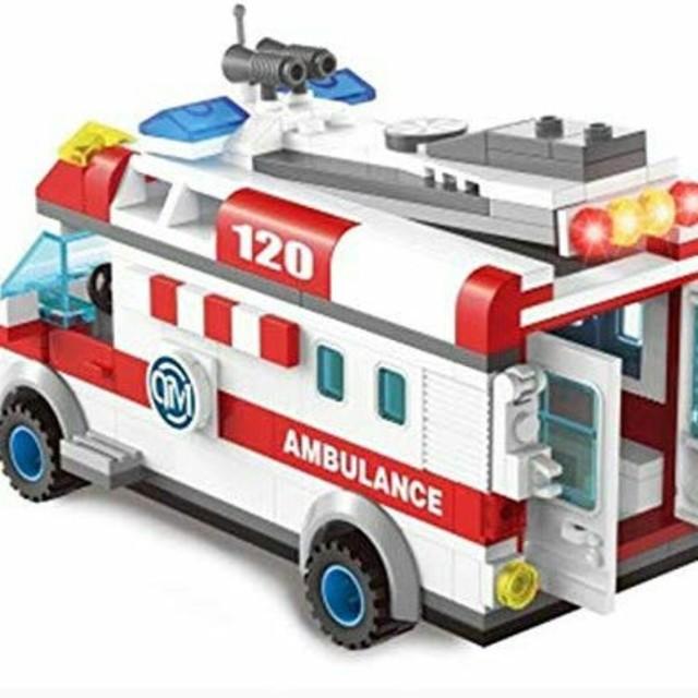 Lego(レゴ)のLEGO互換 救急車  キッズ/ベビー/マタニティのおもちゃ(知育玩具)の商品写真
