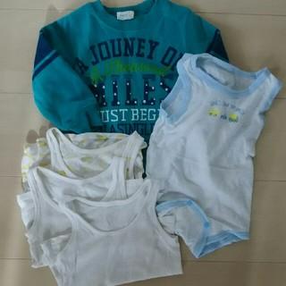ユニクロ(UNIQLO)の裏起毛トレーナー、タンクトップシャツ、タンクトップロンパースセット(トレーナー)