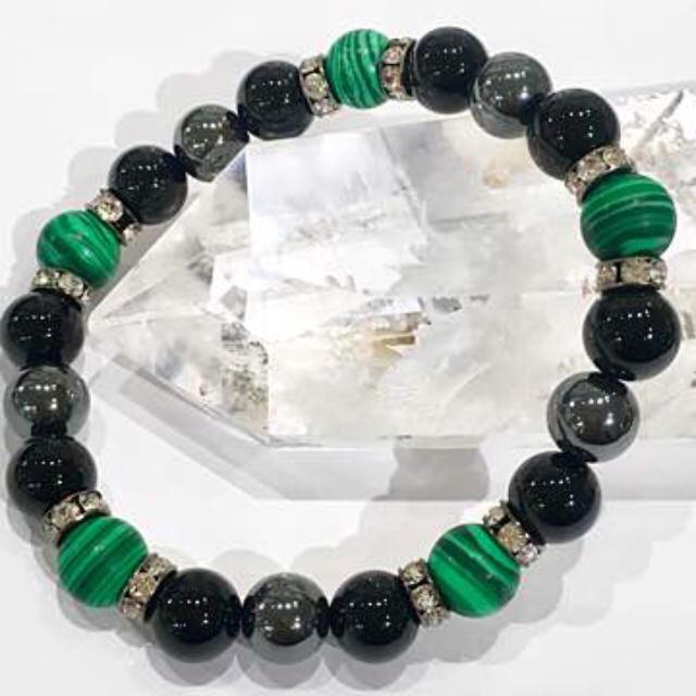 L107⭐︎マラカイト孔雀石 オニキスヘマタイトパワーストーンブレスレット メンズのアクセサリー(ブレスレット)の商品写真