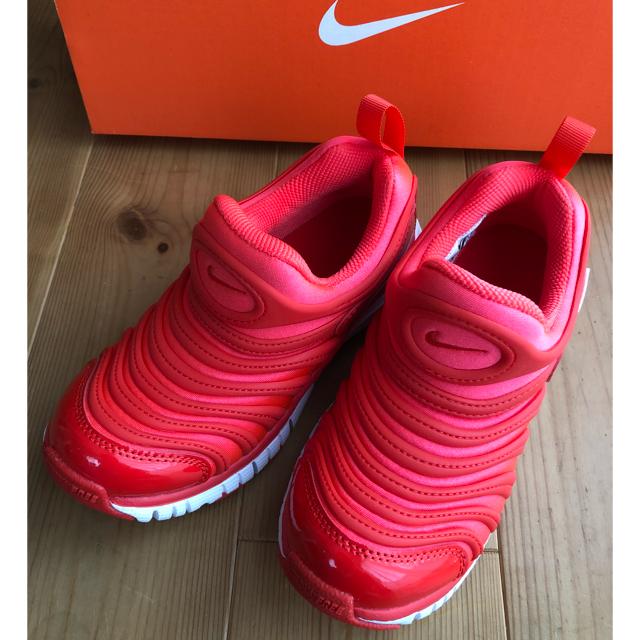 NIKE(ナイキ)の新品ダイナモフリー18cm 朱☆ キッズ/ベビー/マタニティのキッズ靴/シューズ (15cm~)(スニーカー)の商品写真