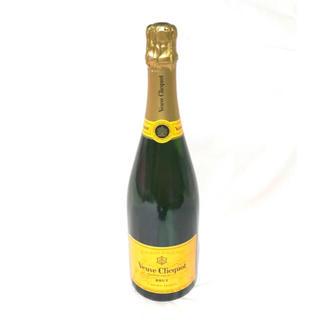 モエエシャンドン(MOËT & CHANDON)のブーブクリコ ポンサルダン イエローラベル ブリュット N.V. (シャンパン/スパークリングワイン)