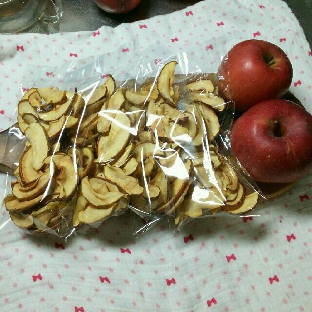 信州産リンゴチップス4袋 食品/飲料/酒の食品(フルーツ)の商品写真
